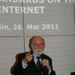 Vint Cerf hält einen Vortrag